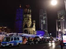 Vrachtwagen rijdt in op kerstmarkt Berlijn: 12 doden