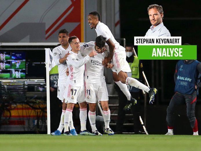 Asensio wordt gevierd na de 2-0.