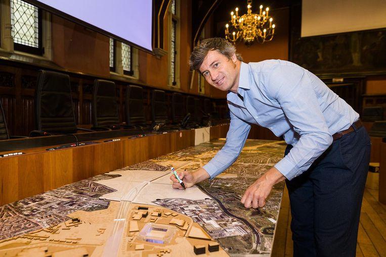 Schepen Sven Taeldeman (sp.a) kreeg gisteren veel vragen over de gecontesteerde projecten.