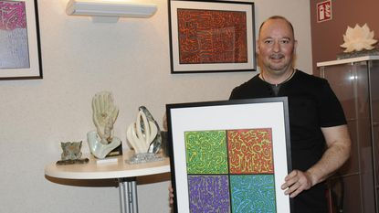 Johan Vanhees stelt tentoon in gemeentehuis