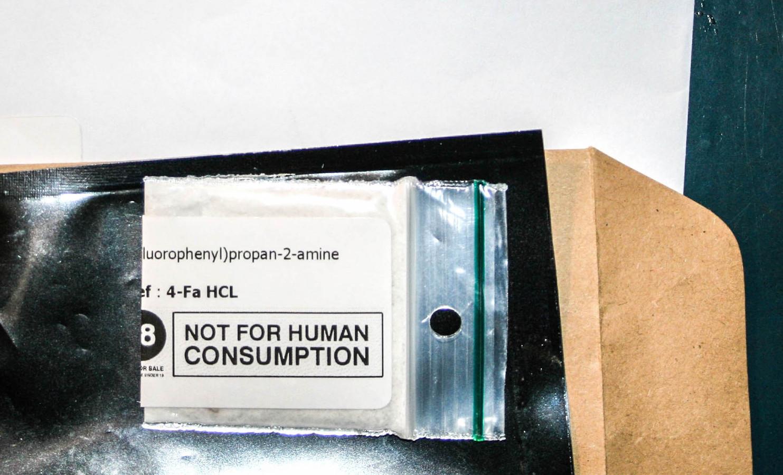 Via de post zouden zeker 15.000 pakketten met de drugs zijn verzonden.