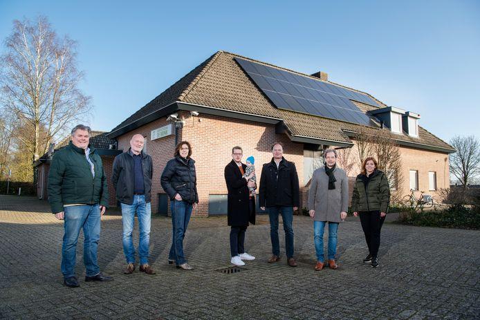 Onder meer dorpscentrum De Brink heeft zonnepanelen. Een veelvoud hiervan ligt straks op het distributiecentrum van Thomassen, zo hebben de mensen van de Loenense energiecoöperatie voor elkaar gekregen.