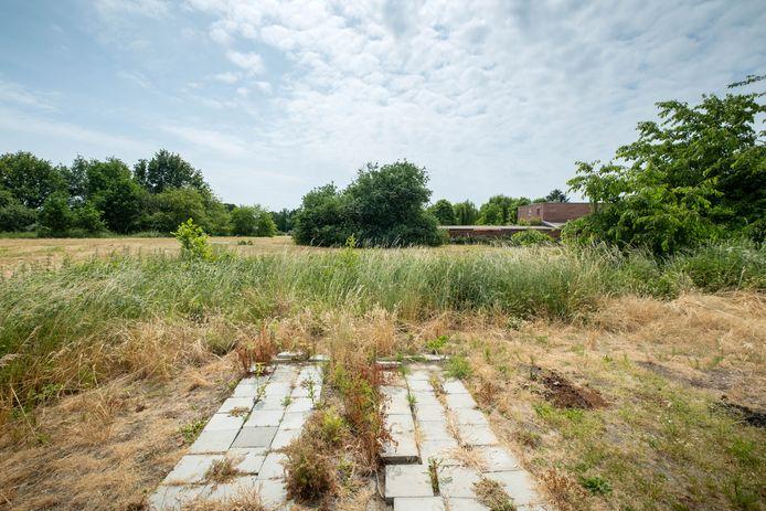 De terreinen langs de Kerkbossenstraat waar sociale woningen worden gebouwd