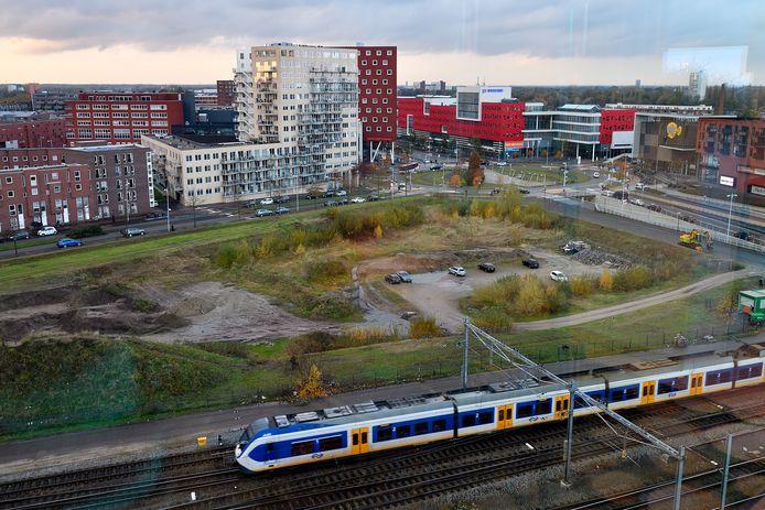 Het nieuwe stadhuis van Amersfoort komt op het nu nog braakliggende Trapeziumterrein, tussen de achterkant van het centraal station en het Eemplein
