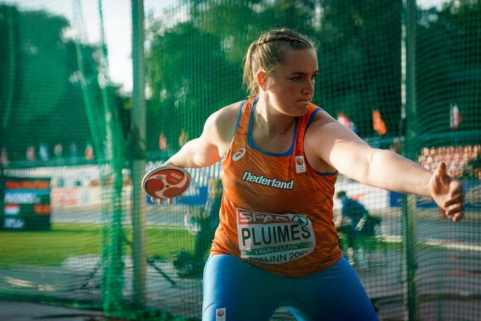 Janneke Pluimes uit Dussen werd vrijdagavond achtste in de finale van het discuswerpen bij de EK voor neosenioren.