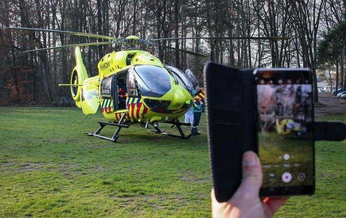Steeds meer mensen maken beelden van ongelukken en andere ernstige situaties.