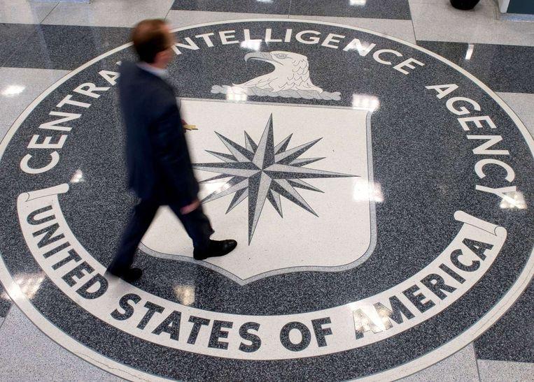 Het logo van de CIA in het hoofdkwartier in Langley, in de Amerikaanse staat Virginia. Beeld afp