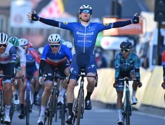 Sam Bennett sprint met veel overmacht naar zege in openingsetappe Parijs-Nice
