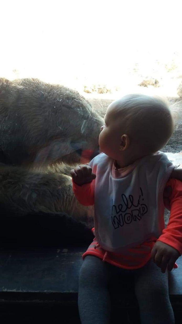 Kleine Djesslyn (9 maanden) geeft een laatste kus!
