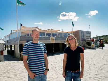 Topdrukte dankzij hittegolf moet coronaschade bij strandtenten beetje goedmaken