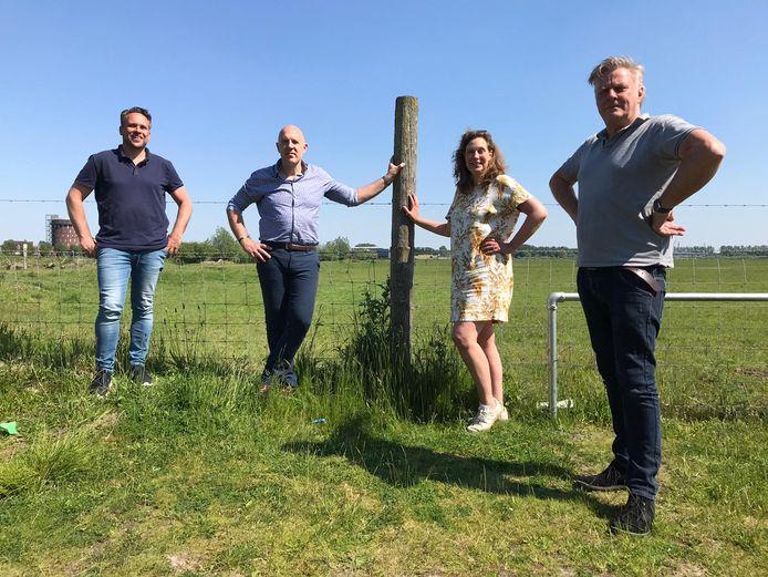 De oppositie in Lansingerland. V.l.n.r.:  Michiel Muis (D66), Marko Ruijtenberg (GroenLinks), Petra Verhoef (PvdA) en Leon Hoek van WIJ Lansingerland.