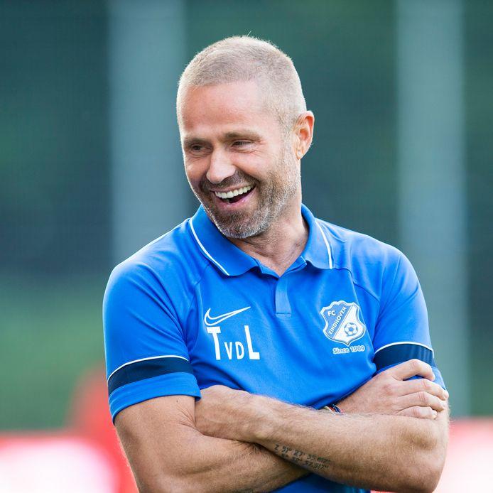 Tommie van der Leegte voorafgaand aan zijn vuurdoop als teammanager van FC Eindhoven, uit bij Jong PSV.