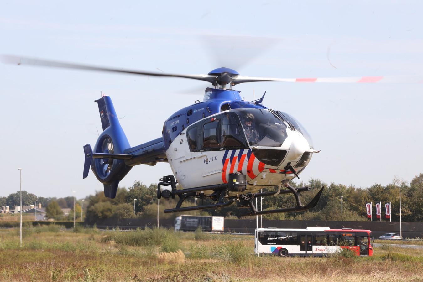 Bij de zoektocht werd een politiehelikopter ingezet.