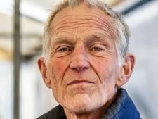 Kaasboer Freek rijdt elke week 100 kilometer naar Utrecht voor de boerenmarkt, maar nu stopt hij