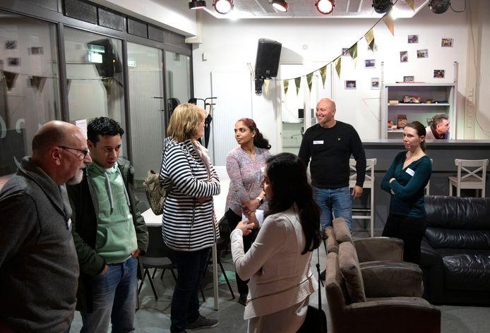 Via 'Expat Meet' in Blixembosch worden expats meer betrokken bij de wijk.
