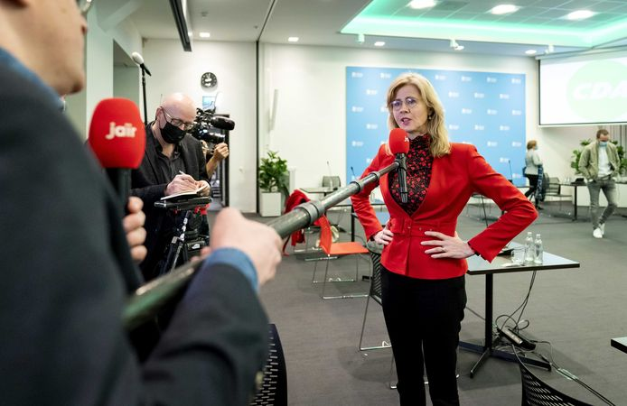 Mona Keijzer tijdens een fractiebijeenkomst van het CDA in Nieuwspoort, de dag na de Tweede Kamerverkiezingen.