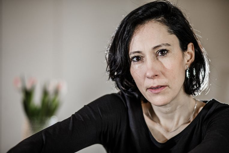 Schrijfster Saskia de Coster 'wil een veilige plek creëren voor vrouwen. Een plek waar vrouwen de plak zwaaien. Maar een plek met alleen maar vrouwen aan de macht zal nooit veilig zijn' vind Lecompte. Beeld Bob Van Mol