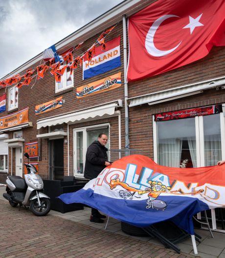 Eindelijk weer een EK met het Nederlands elftal, maar oranje vlaggenzeeën zijn (bijna) niet te bekennen