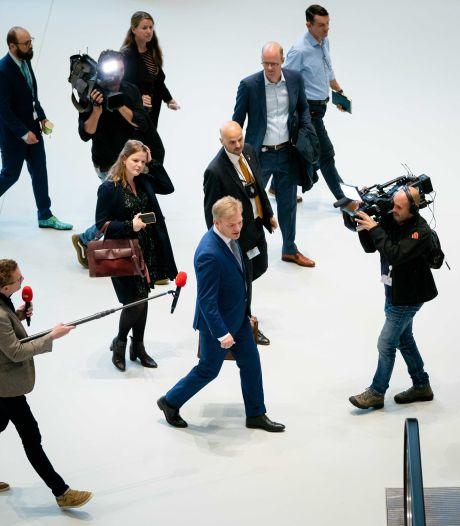 Pieter Omtzigt is terug in de Kamer en wil 'rustig' aan de slag, maar dat lukt niet echt