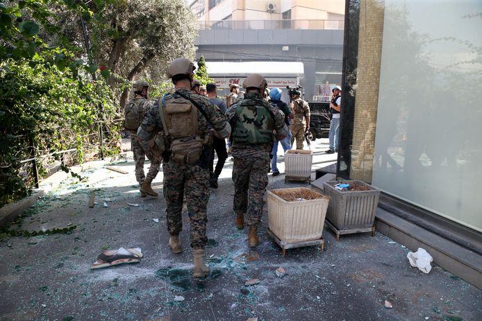 Soldados foram enviados para controlar a situação.