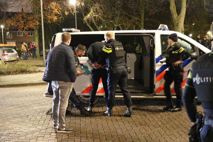 Na de woningoverval werden dertien arrestaties verricht.