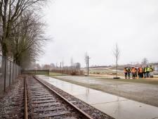 Na jaren zwerven is Stadscamping klaar voor thuishaven, hoopt er twee spoorwegwagons op de rails te zetten