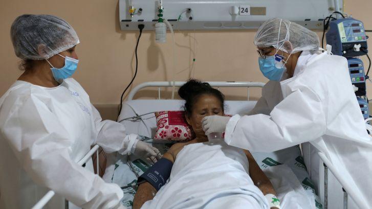 Aantal coronapatiënten groeit wereldwijd harder dan ooit: 'De pandemie is nog volop gaande'