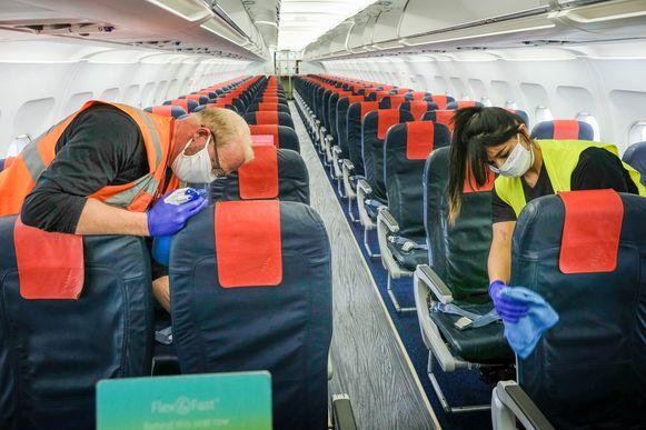 De vliegtuigen van Brussels Airlines worden na elke vlucht grondig ontsmet.