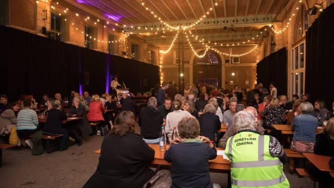 Vrijwilligers vaccinatiecampagne bedankt met BBQ en dansfeest