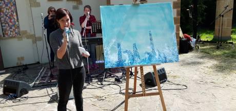Religieuze dienst in Oisterwijk levert Pinksterschilderij op