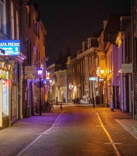 Wat gebeurt er op de Noordwest-Veluwe als de avondklok slaat? Onze verslaggever wilde het weten
