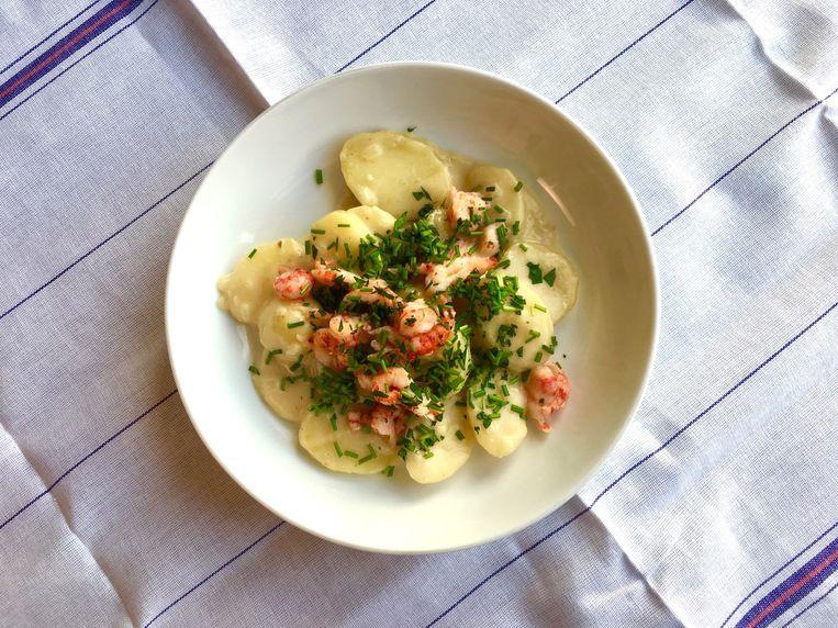 Zwitserse aardappels met rivierkreeftjes. Beeld Sake Slootweg