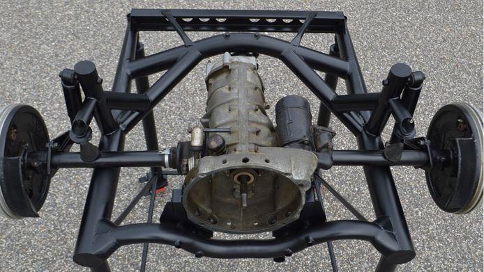 De versnellingsbak van de Porsche.