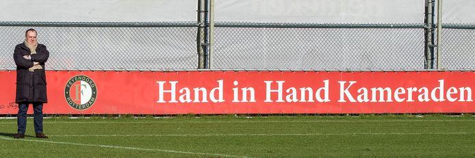 Dick Advocaat tijdens een training van Feyenoord in 2016 als adviseur.