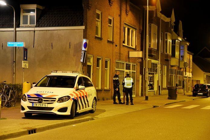 In Tilburg werd een vrouw overvallen op straat.