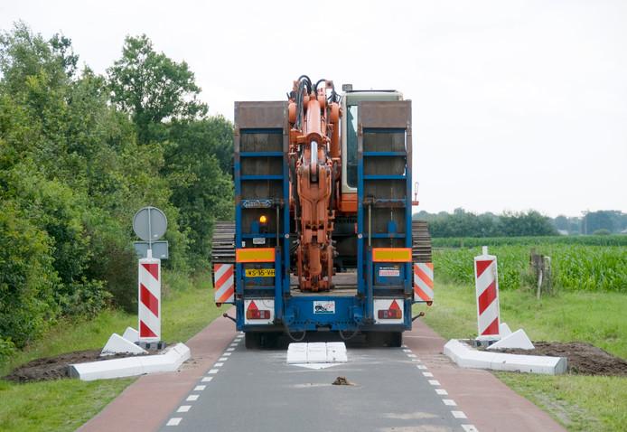 In de Nottermorsweg en Vossenbosweg zijn al landbouwsluizen geplaatst om sluipverkeer tegen te gaan.