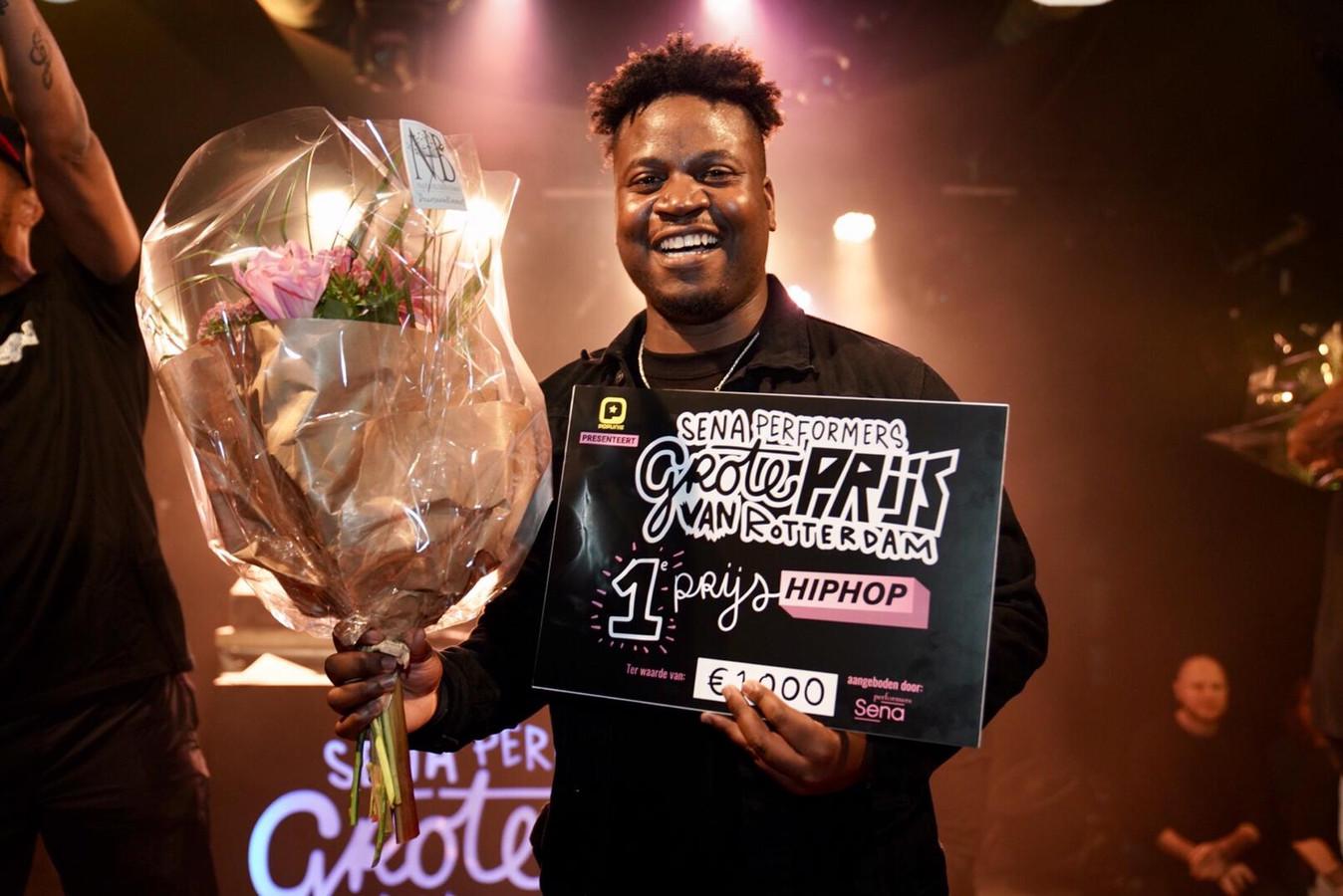 Hiphopartiest Wowi wint de finale van de Grote Prijs van Rotterdam in de categorie hiphop.