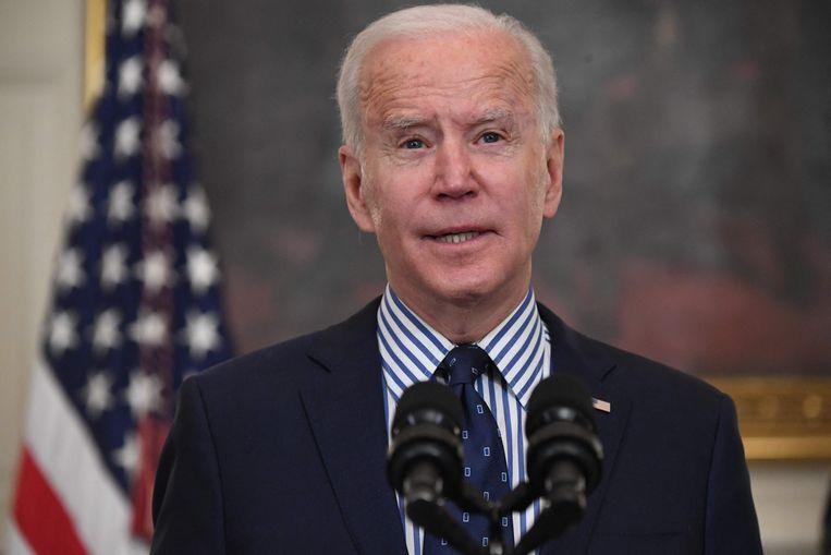 President Joe Biden houdt een toespraak nadat de Senaat zijn steunpakket van 1.900.000.000.000 dollar heeft goedgekeurd. Beeld AFP