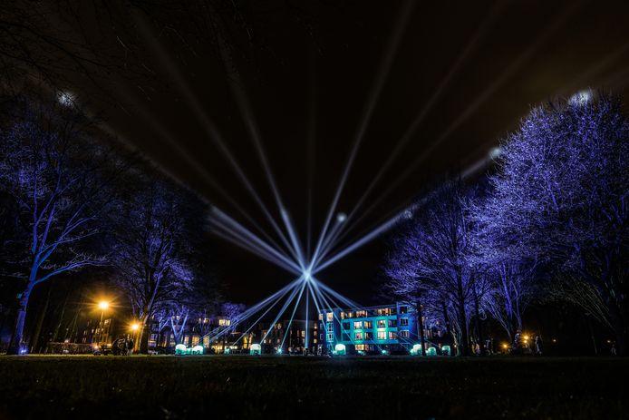 De lichtshow bij Woonzorgcentrum en verpleeghuis De Schuylenburgh.