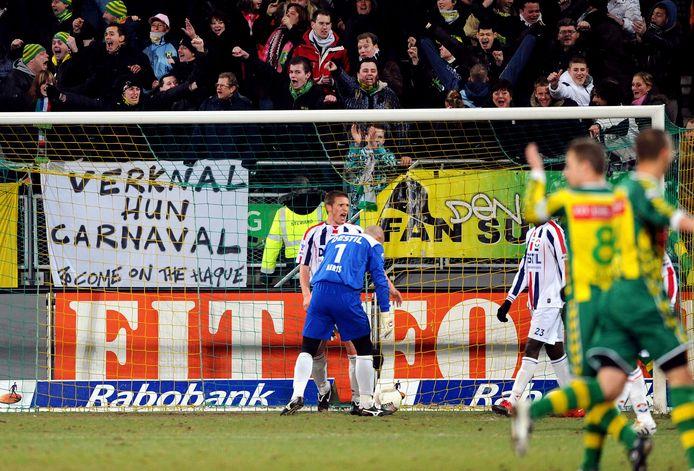 Ricky van den Bergh heeft de 2-0 binnengekopt namens ADO Den Haag tegen Willem II op 13 februari 2010. De wedstrijd eindigde in 3-0.