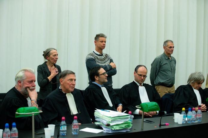 Het Gentse hof van assisen had in de nacht van 30 op 31 januari de drie artsen vrijgesproken. Joris Van Hove staat rechts.