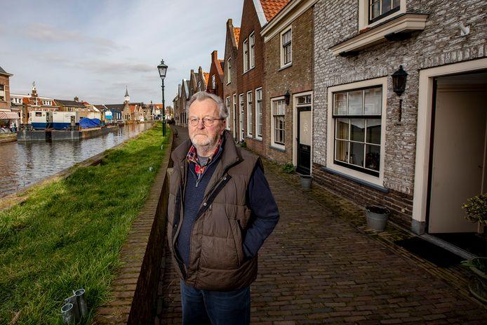 Jaap Pieters vreest schade aan zijn huis door de kadewerkzaamheden.