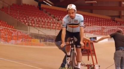 """Victor Campenaerts legt geslaagde werelduurrecordtest af op Vélodrome Suisse in Grenchen: """"Half uur lang op schema van 54,800 km"""""""