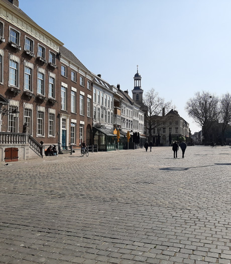 Zonnige zaterdag biedt in Breda onwerkelijk stil stadshart