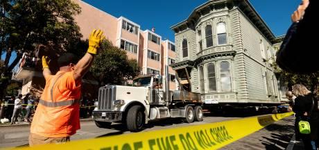 Le déplacement spectaculaire d'une maison datant de 1882 en plein San Francisco