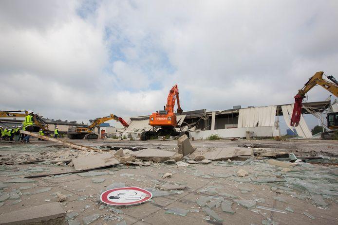 Afbraak Ford- fabriek Genk - deel 1.