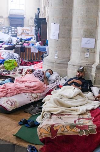 """REPORTAGE. Honger- en dorststakers zetten actie vastbesloten voort: """"Terugplooien is onmogelijk"""""""