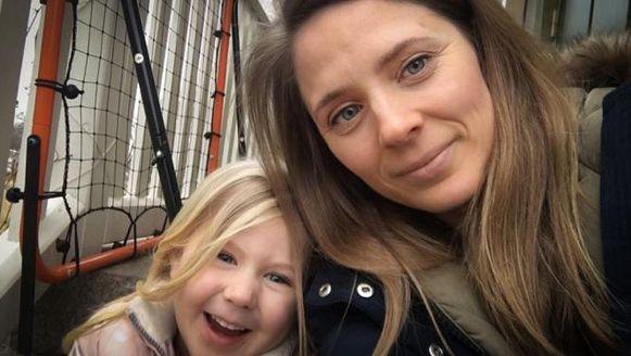 Anna Larsson met haar dochtertje