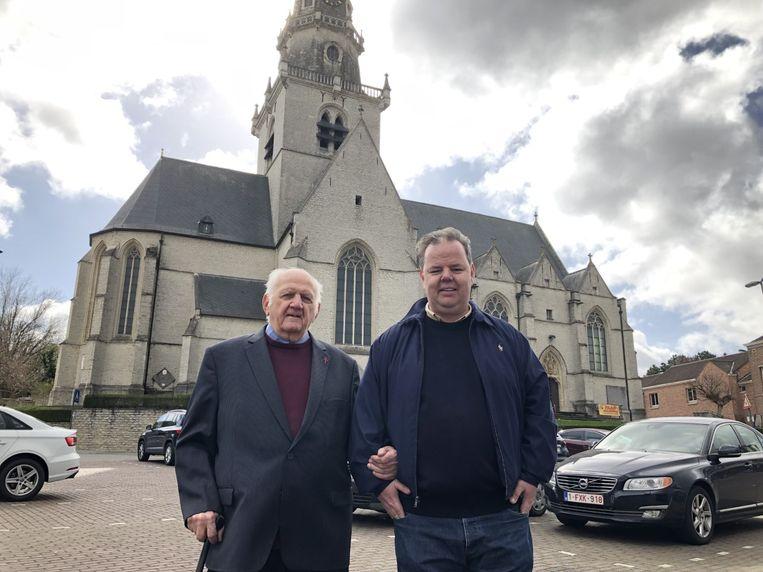 Vital Orolé (links) heeft zijn bezoek aan Paus Franciscus te danken aan dorpsgenoot en goede vriend Dan Gooris.
