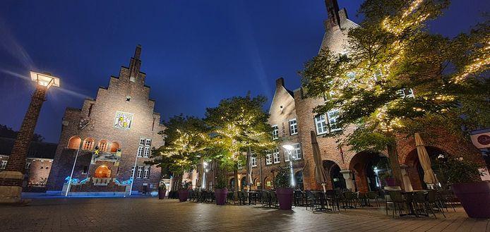 Stichting Huis van Waalwijk maakt zich zorgen over de toekomstplannen voor het Krophollercomplex. Ze wil niet dat het souterrain van het oude stadhuis verhuurd wordt aan een commerciële partij.